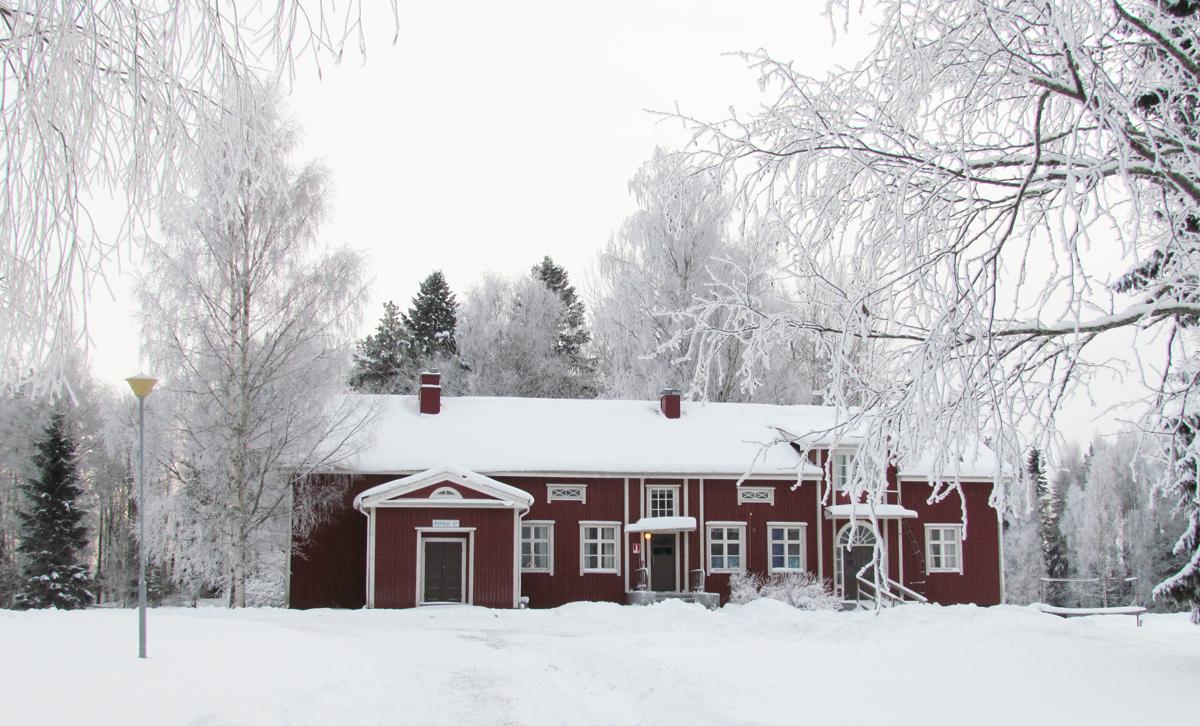 koulu_talvella_1200
